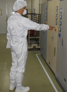 食品工場を監査中の小林労働安全コンサルタント